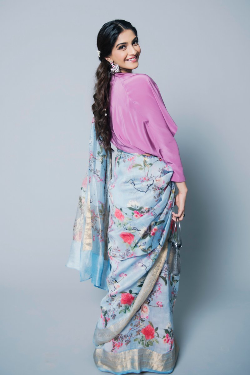 Sonam Kapoor In Floral Printed Saree Sonam Kapoor In Saree Sonam Kapoor Red Saree Buy Online Sonam Kapoor Saree Lady India