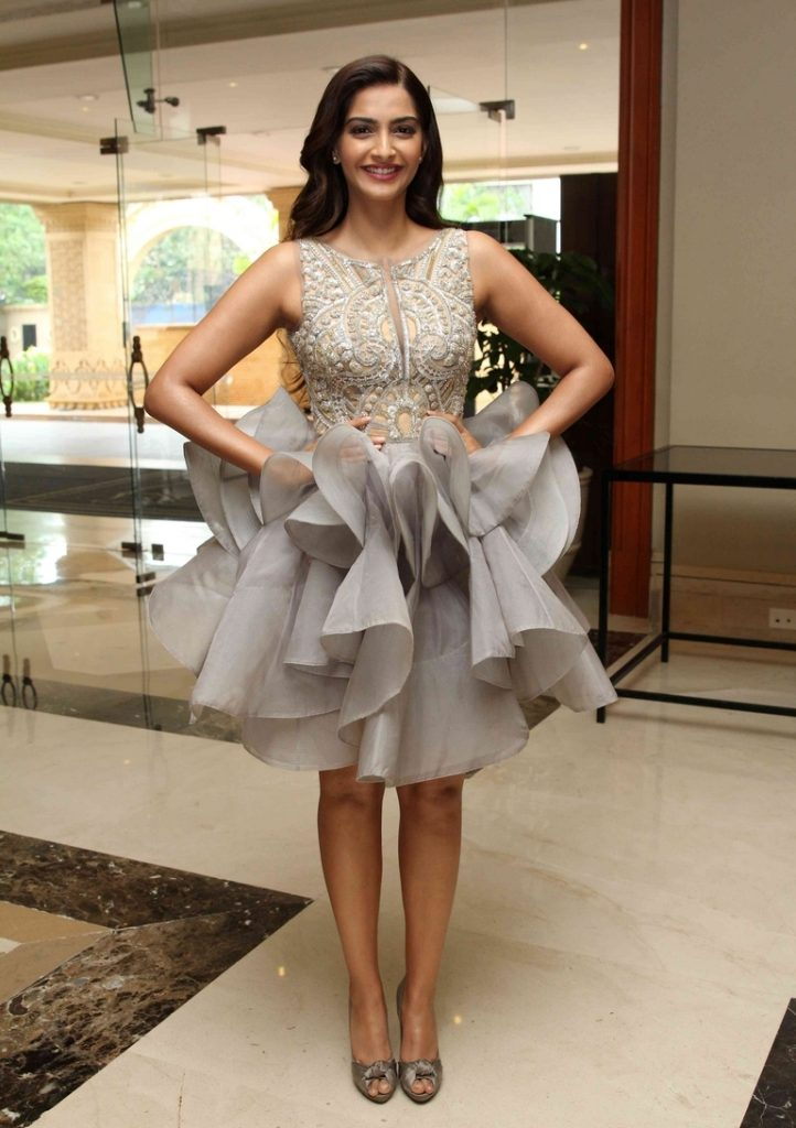 designer-fairy-frock-for-girls-sonam-kapoor