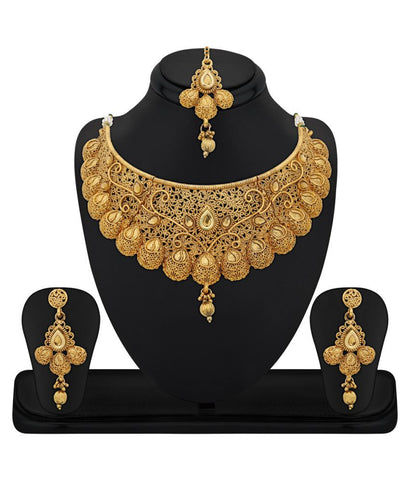 Festive Party Special Jewellery Zinc Gold Plated Kundan Golden Choker Necklace Set with Maang Tikka For Women