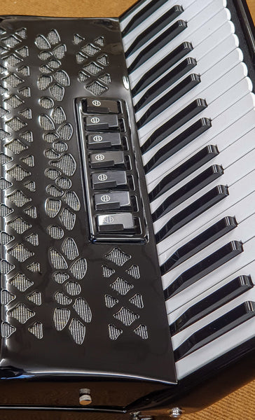 Moreschi 80 bass 3 voice Piano Accordion - TheReedLounge.com