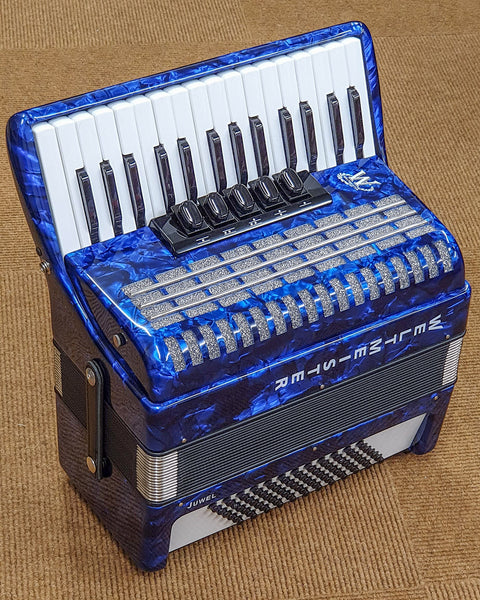 Weltmeister Juwel 30 key 3 voice 72 bass piano accordion, blue