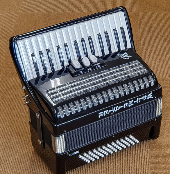 Weltmeister Rubin 2 voice 60 bass Piano Accordion
