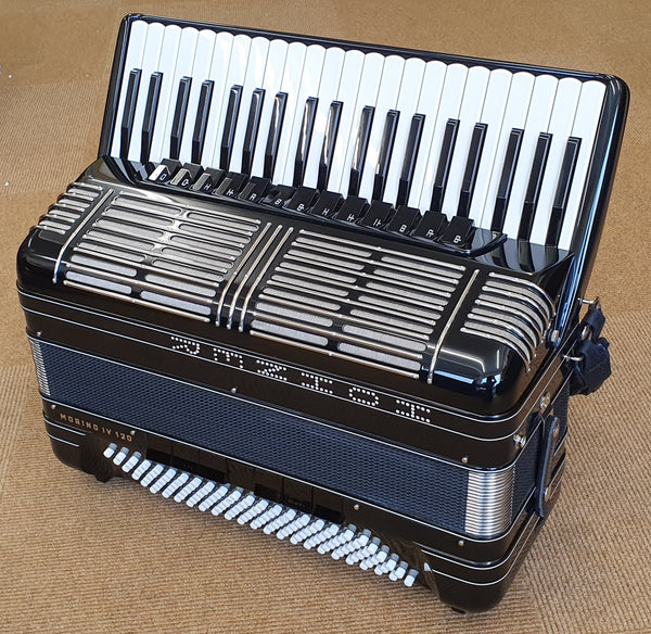 Hohner Morino IV 120 bass tremolo piano accordion
