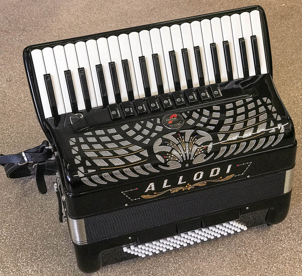 Fantini Allodi 37 key 96 bass piano accordion