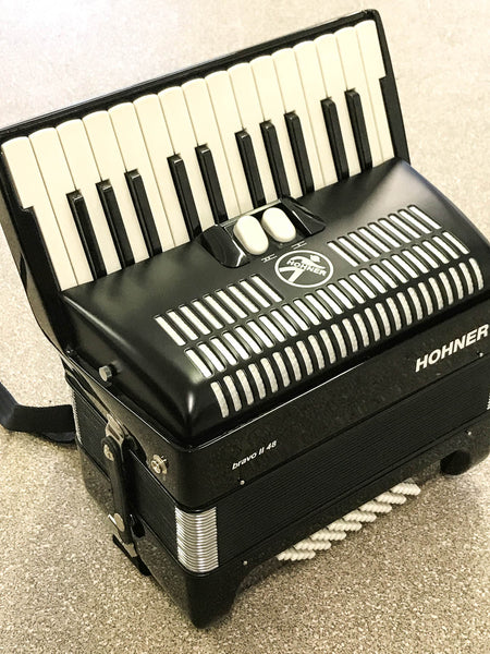 Hohner Bravo II 48 bass piano accordion - TheReedLounge.com