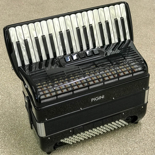 Pigini P36MG Special Edition 3 voice 96 bass piano accordion