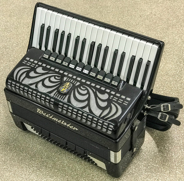 Weltmeister 4 voice Musette 96 bass piano accordion