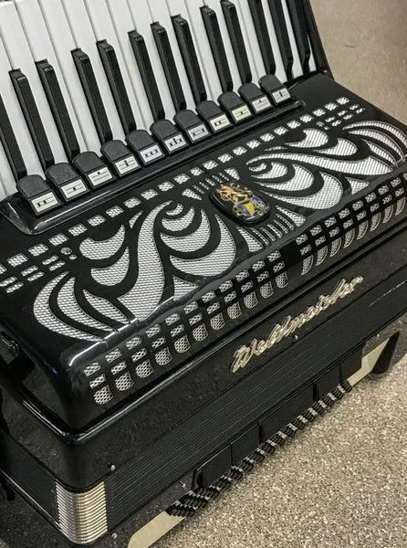 Weltmeister 4 voice Musette 96 bass piano accordion - TheReedLounge.com
