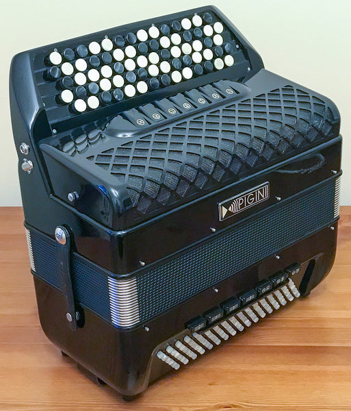 Pigini Convertor 42/B freebass button accordion Second Hand C system - TheReedLounge.com