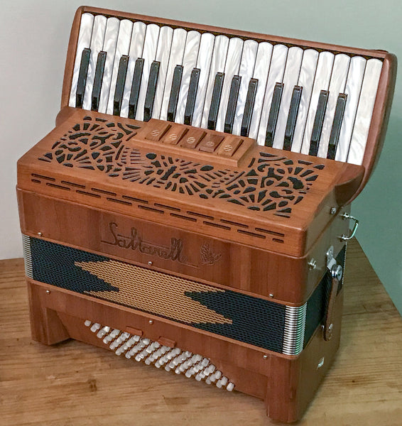 Saltarelle Cleggan 3 voice 72 bass piano accordion Second Hand - TheReedLounge.com