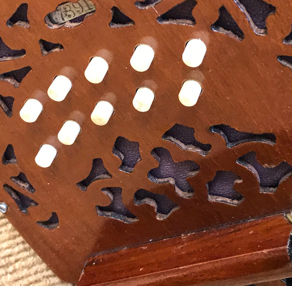 Lachenal 20 key C/G Anglo Concertina with brass reeds - TheReedLounge.com