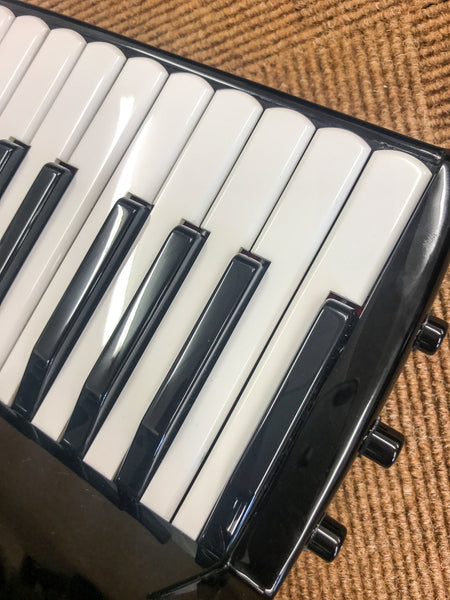 Bugari Bayan Spectrum Piano Convertor Accordion - TheReedLounge.com