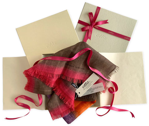 gift-box-otta-italy-hand-painted-scarves