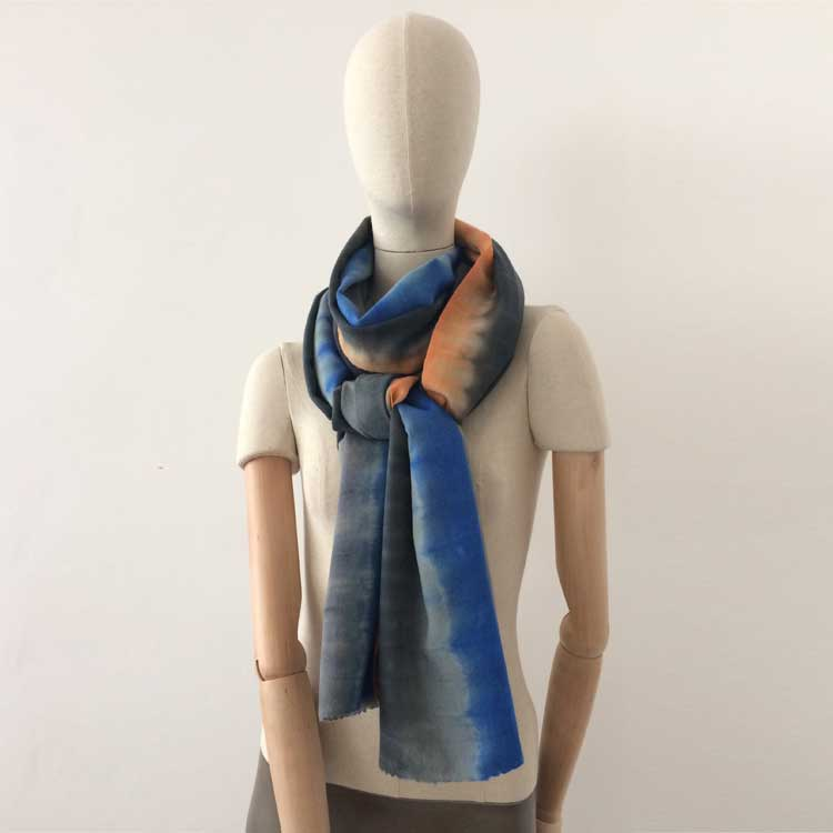 wool-scarf-hand-painted-70x230cm-grey-blue-orange-otta-italy-65