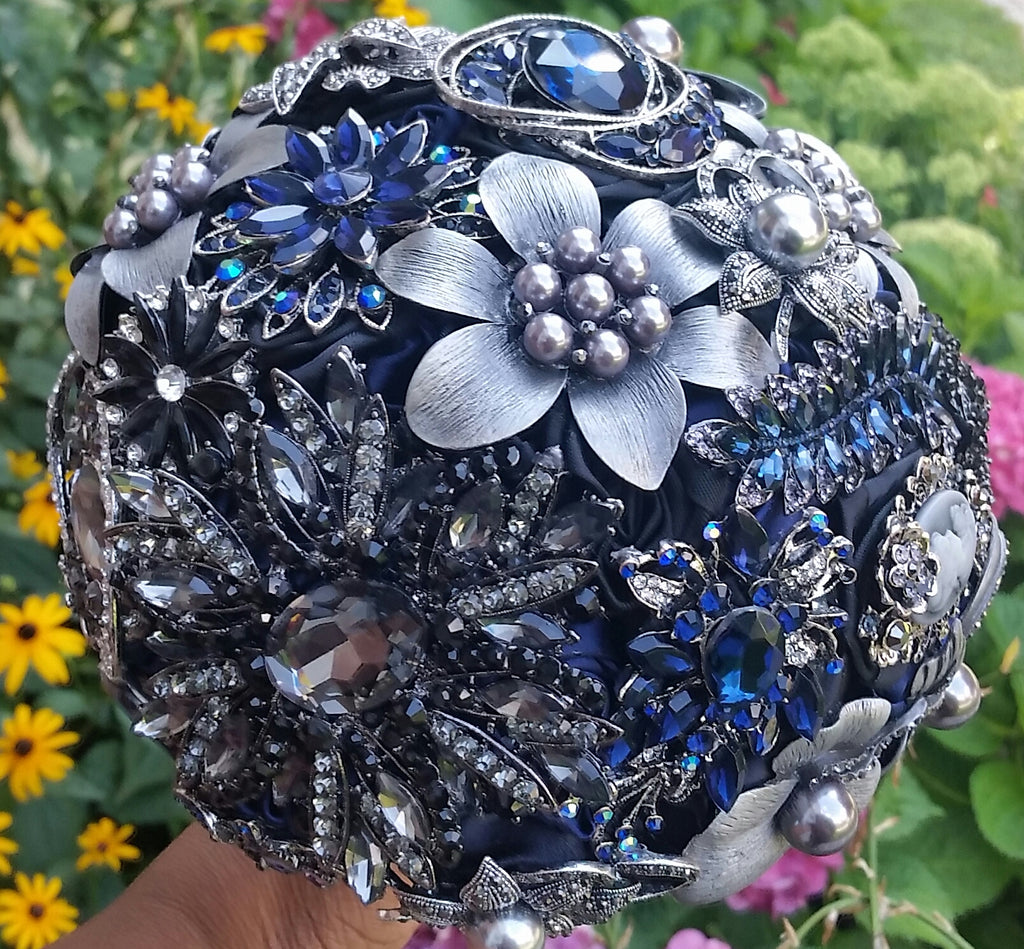 Easy DIY Brooch Bouquet Wedding Project