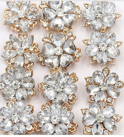 12 Pcs of Gold Rhinestone Flower Brooch BR-049