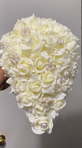 LEE - Real Touch Roses Cascade Brooch Bouquet