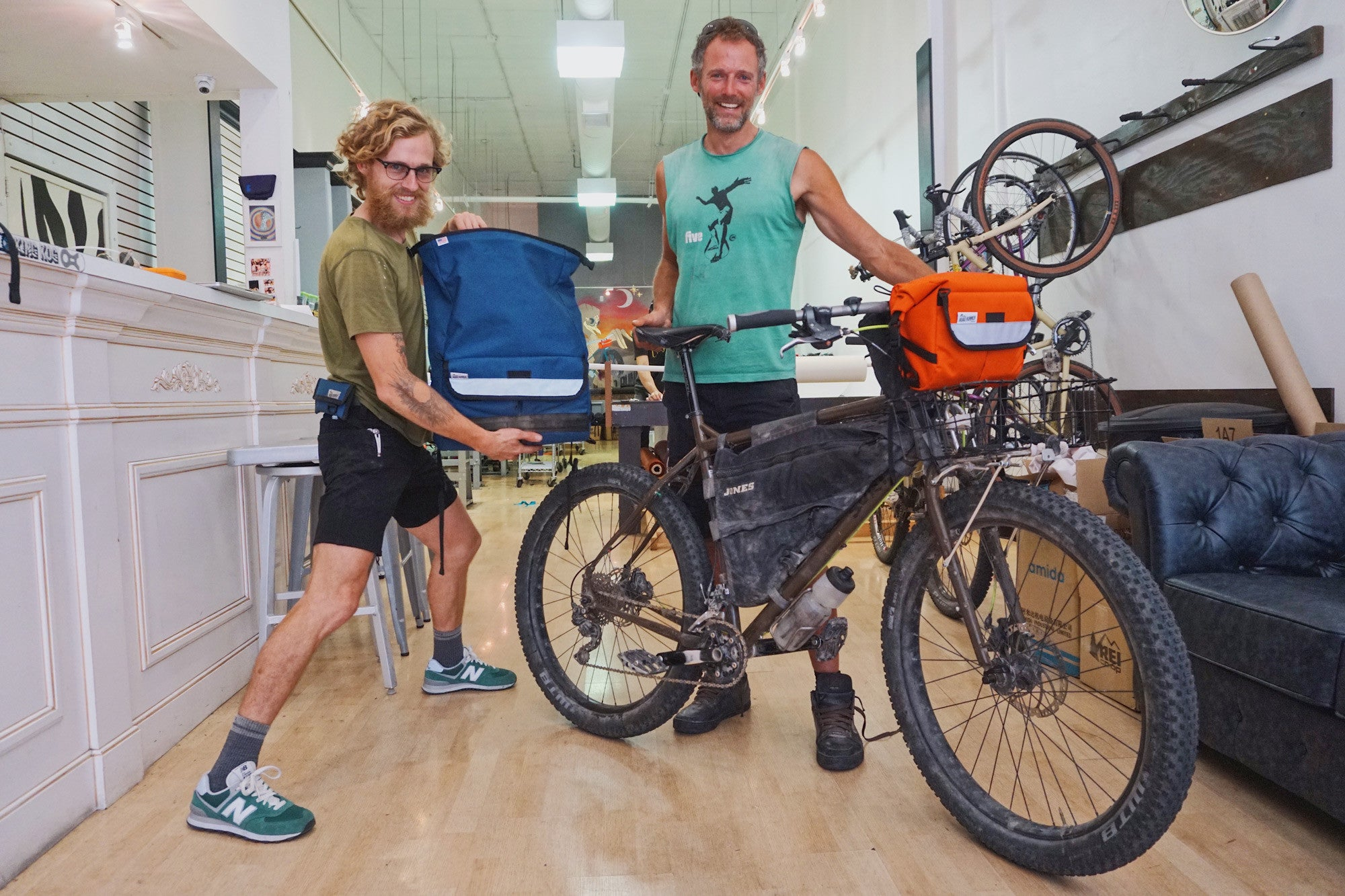 Cass from Bikepacking dot com in the hizz house!
