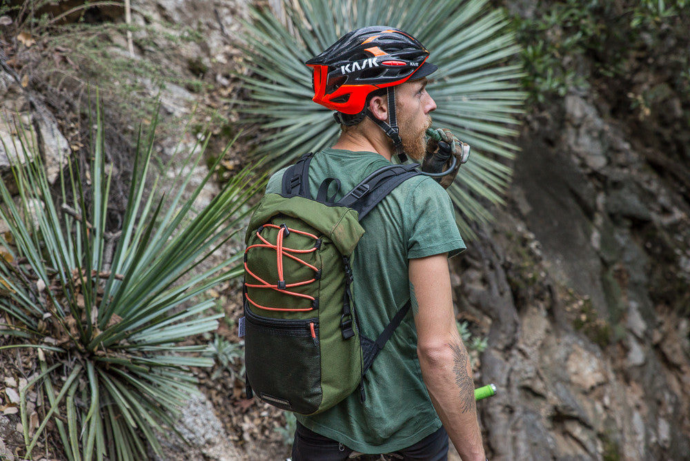road runner bags sed hydration backpack