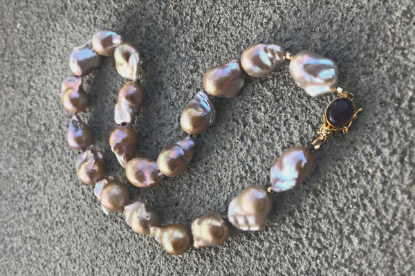 Orchidée Royale Baroque Hand-Knotted Strand Necklace