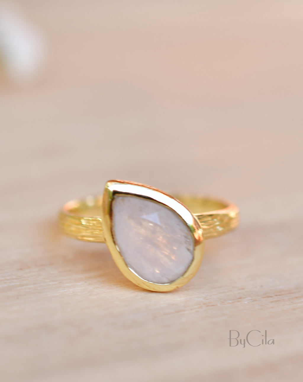 Beatriz Ring * Rainbow Moonstone * Gold Plated 18k * SBJR125