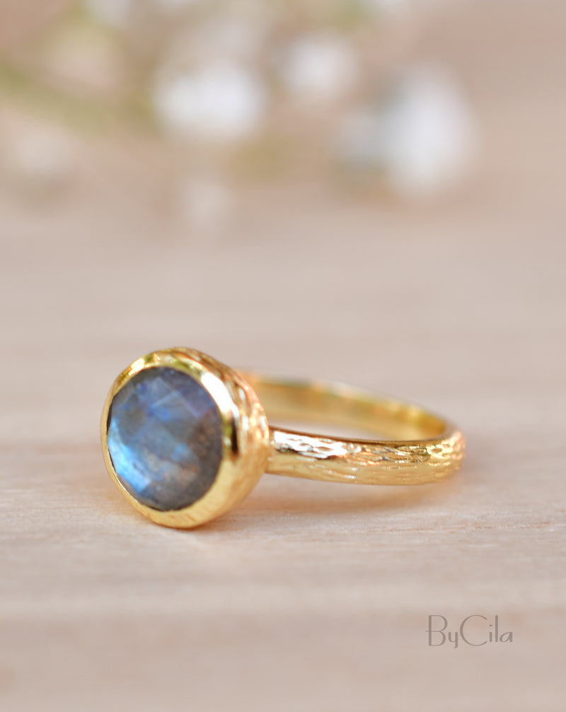 Leticia Ring * Rainbow Labradorite * Gold Plated 18K * SBJR122