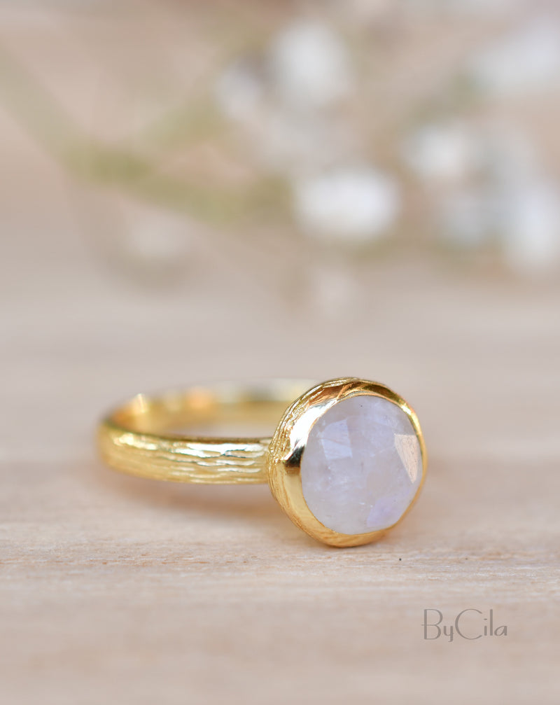 Leticia Ring * Rainbow Moonstone * Gold Plated 18k * SBJR123