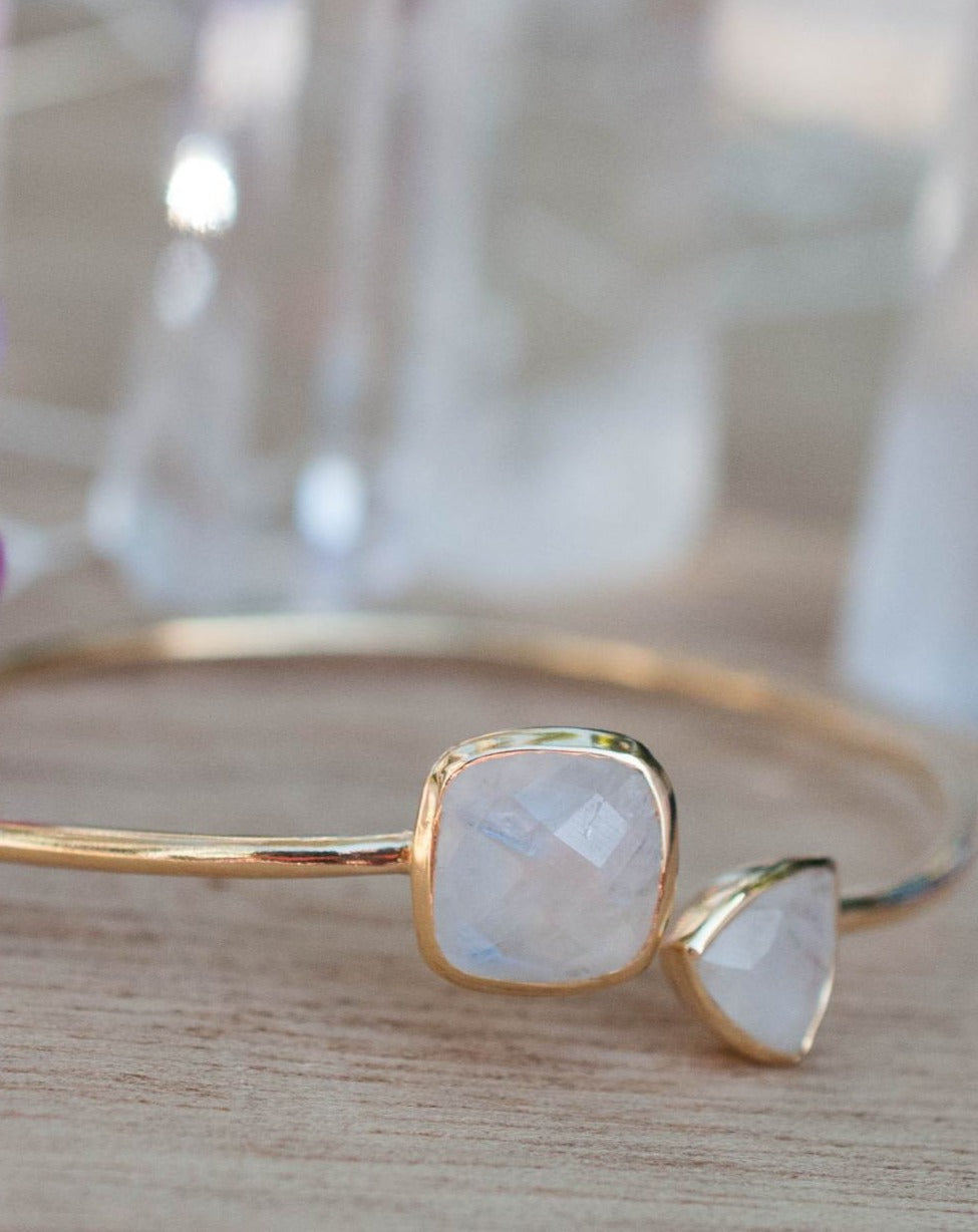 Moonstone Bangle Bracelet *Gold Plated 18k or Silver Plated* Gemstone * Gypsy * Hippie *  Adjustable * Statement *  Stacking * BJB002A