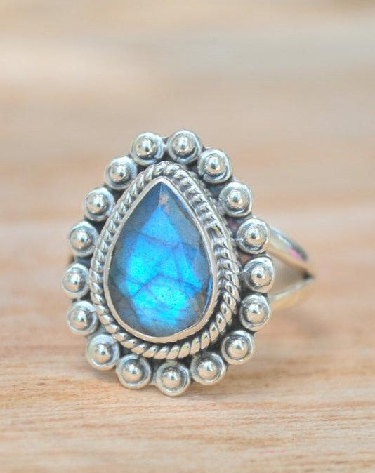 Rainbow Labradorite Ring * Sterling Silver 925 * Gemstone * Bycila * Gift for her * Natural * Ocean * Blue * Statement * size 8 * BJR234