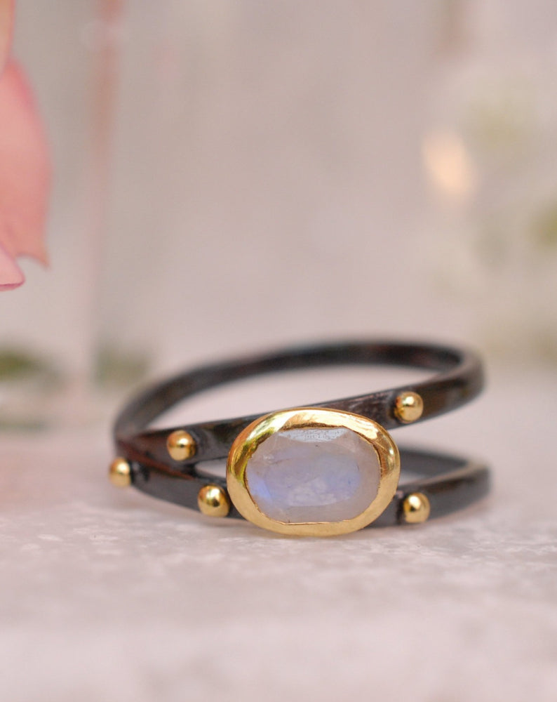 Scarlet Ring * Moonstone * Ruthenium Plating Over Brass * BJR123