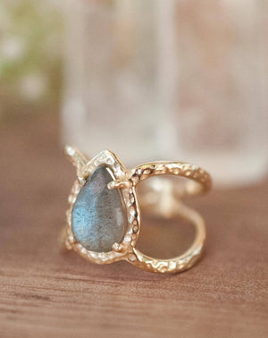 Labradorite Ring * Hammered Band * Gold Ring * Statement Ring * Gemstone Ring * Pink * Wedding Ring * Organic Ring * Natural* BJR141