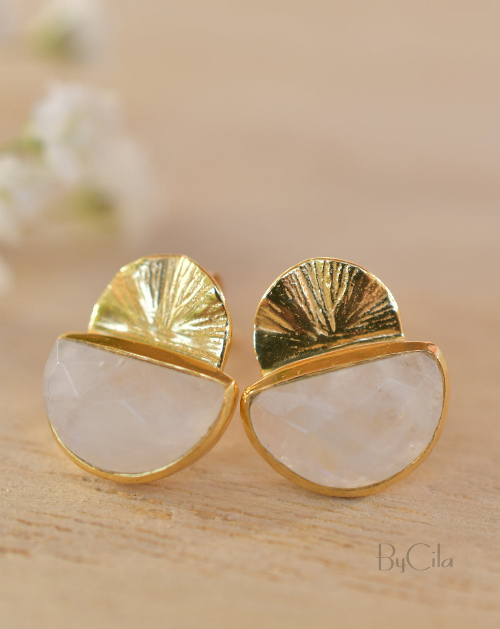 Moonstone Stud Earrings Gold Plated 18k * Gemstone * Earrings * Rainbow Moonstone * Handmade * Boho * Modern * BJE158