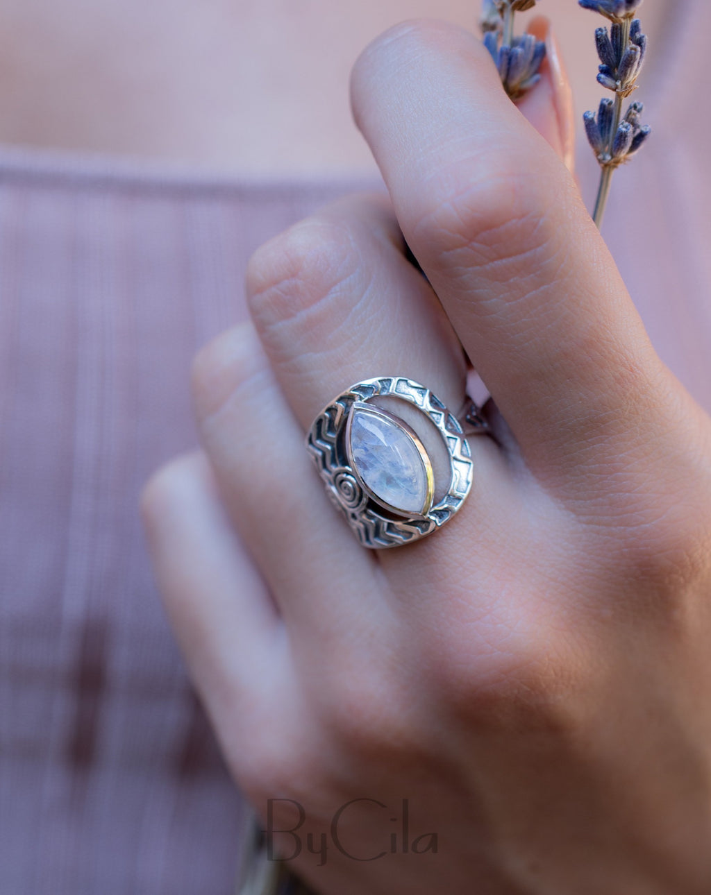 Beautiful Moonstone Ring* Sterling Silver * Gemstone Ring* Mermaid * Handmade * Statement Ring * Rainbow Moonstone BJR186