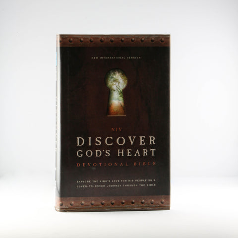 NIV Discover God's Heart Devotional Bible (Hardcover)