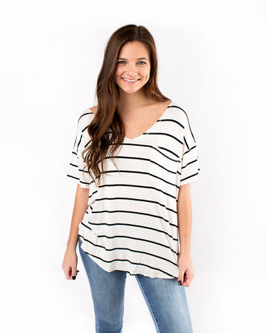 Front Pocketed V-Neck Knit Top