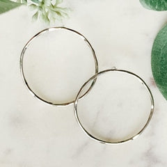 Front-Facing Circle Earrings