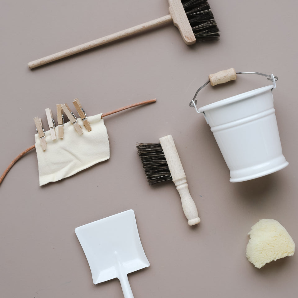 Doll's Cleaning Set