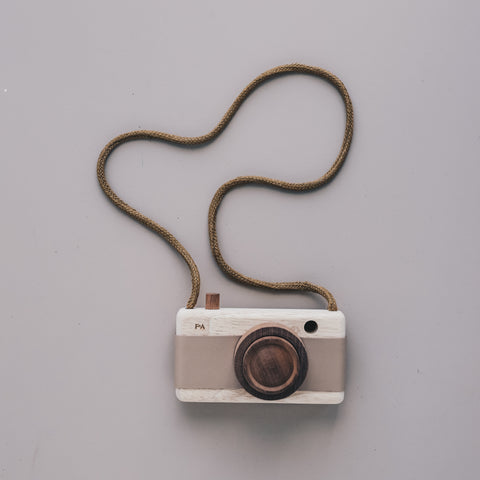 Wooden Camera (Cat's Paw Pink)