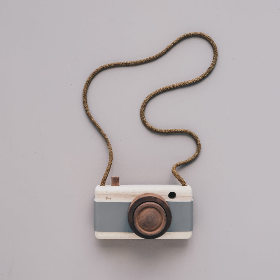 Wooden Camera (River Pebble Grey)