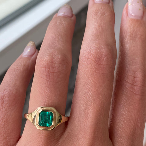 1.16ct Emerald Signet Boyfriend Ring