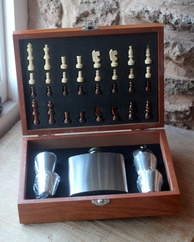 Personalised Chess boards with hipflask and tumblers