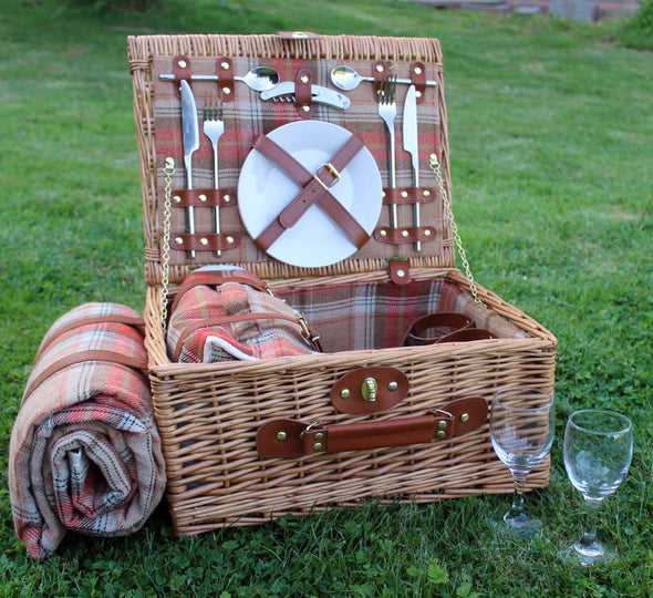 2 Person Picnic Hamper with personalised wine glasses