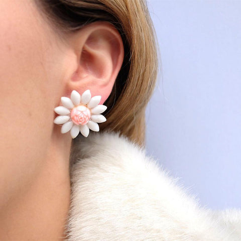 Vintage 1940s Pink Daisy Clip on Flower Earrings