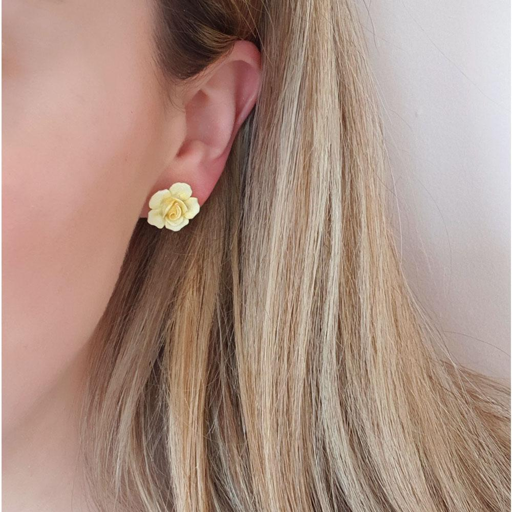 Vintage 1940s Yellow Porcelain Flower Pieced Earrings