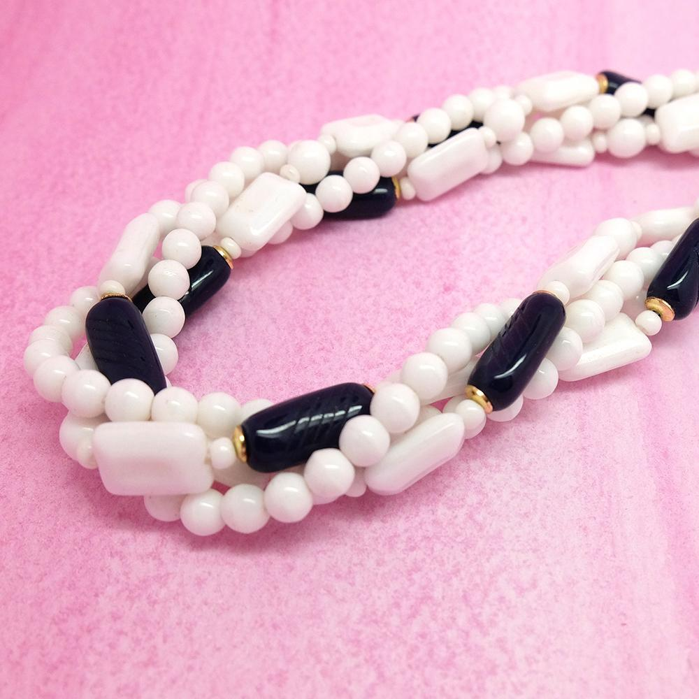 Vintage 1950s White & Blue Glass Beaded Necklace