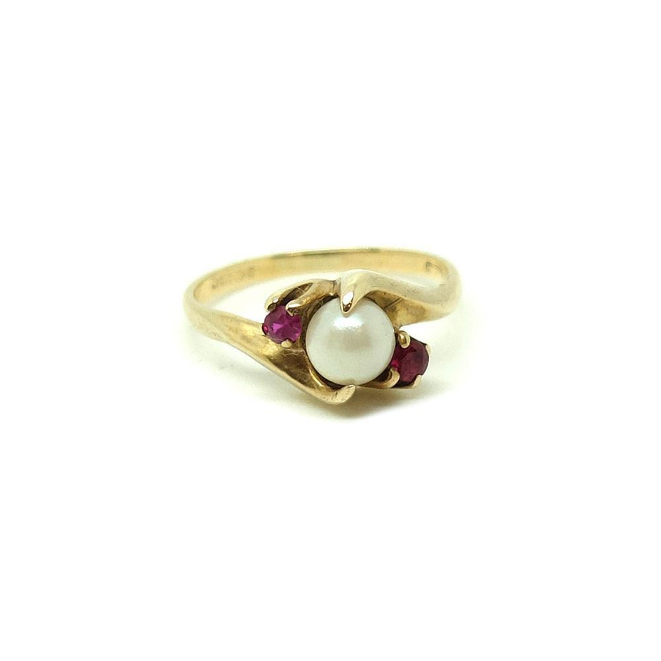 Vintage 1950s Pearl & Ruby 9ct Gold Ring