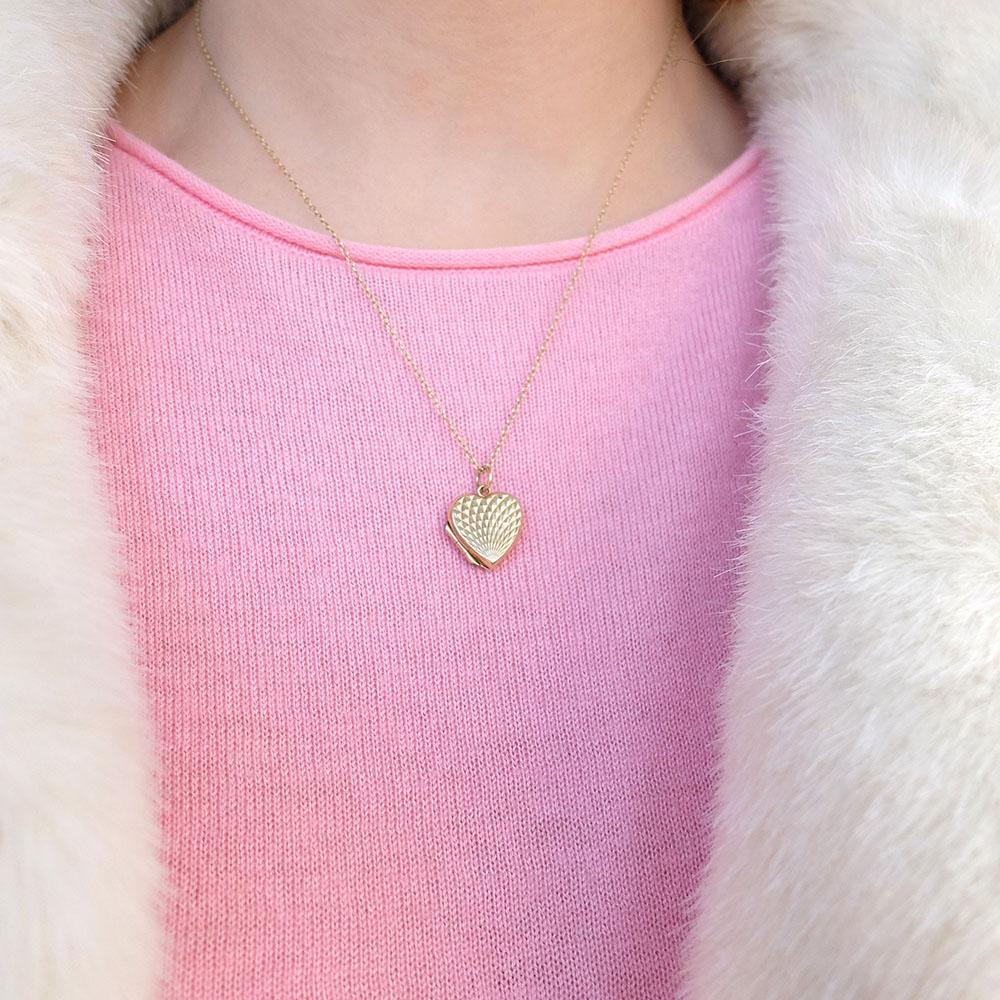 Vintage 1970s 9ct Yellow Gold Heart Locket Necklace