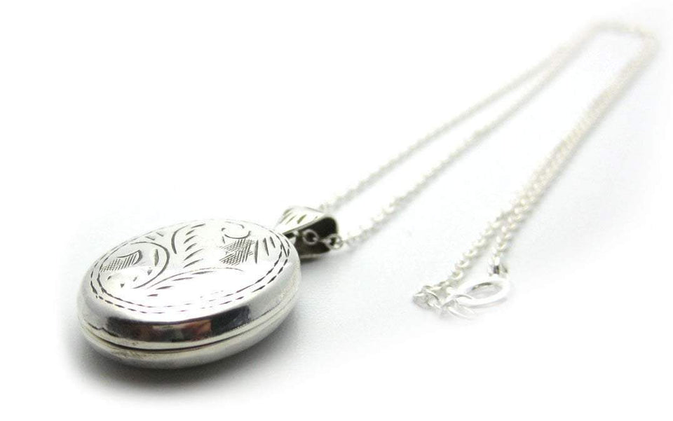 Vintage Oval Silver Locket Necklace