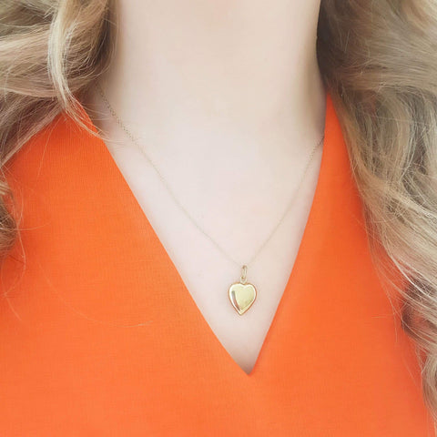 VINTAGE Necklace Vintage 8ct Yellow Gold Heart Charm Necklace