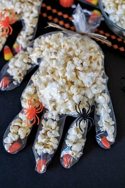 Fill some sterile gloves with sweet treats or popcorn to feed your medical themed part goers.